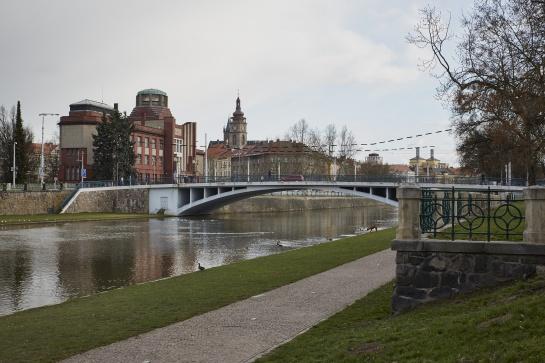 Náplavka u Tyršova mostu