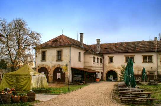 Hrad a zámek Staré Hrady u Libáně