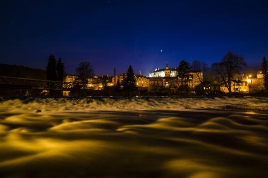 Město Loket v noci