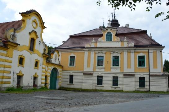 Zámek v obci Horní Vidím na Kokořínsku