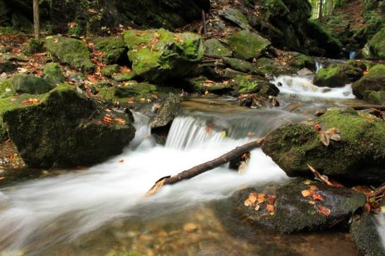 Potok, nad žulovou