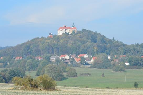 Hrad (zámek), Vysoký Chlumec
