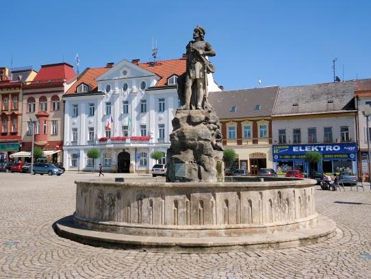 Dvůr Králové náměstí