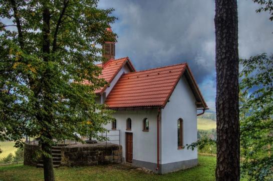 Mařenice – poutní kostel sv. Maří Magdalény a kaple na vrchu Kalvárie