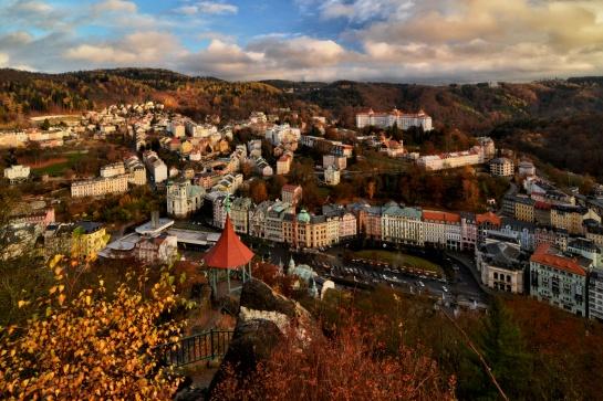 Karlovy Vary z ptačí perspektivy