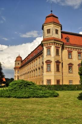 zámek Holešov