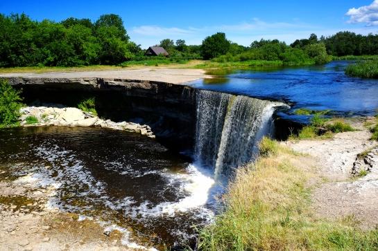 Vodopád Jägala juga v Estonsku
