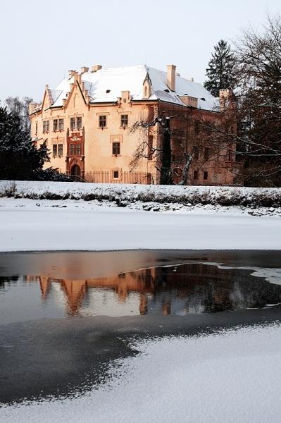 Vrchotovy Janovice pod sněhem